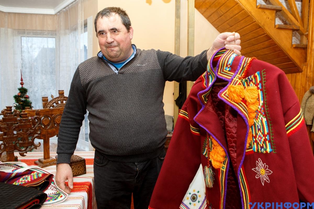 Отець Юрій Попович