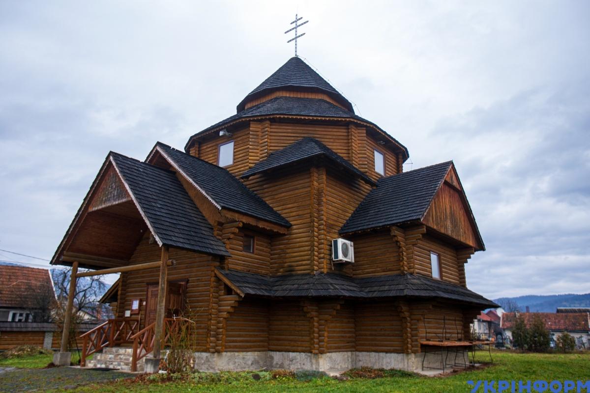 Церква Перенесення мощів святого Миколи Чудотворця у смт Великий Бичків