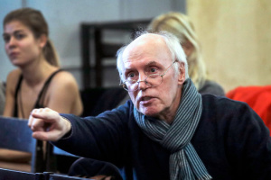 От COVID-19 умер актер, сыгравший доктора Борменталя в «Собачьем сердце»