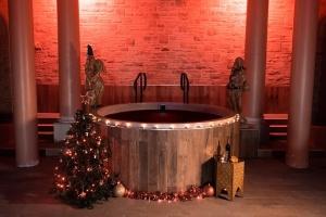 В Британии туристам предлагают расслабится в горячей ванне с глинтвейном