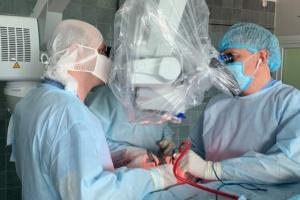 Львівські хірурги вперше прооперували дитину з важкою формою епілепсії