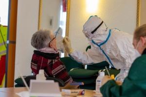 Німеччина перебуває на піку пандемії — міністр охорони здоров'я