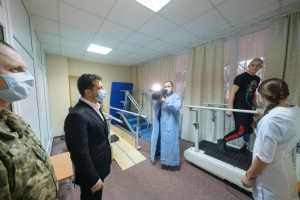 Завдяки волонтерам була побудована сучасна українська армія – Зеленський