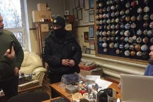 Игрушки для армии РФ: на Клавдиевскую фабрику пришли полиция и СБУ