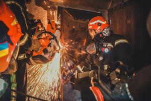 У Києві чоловік під час пожежі вистрибнув з п'ятого поверху