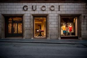 Gucci пожертвует $500 тысяч на вакцины от коронавируса