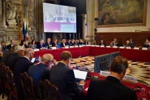 Зеленський заявив, що Венеційська комісія отримає закон про олігархів після його підпису