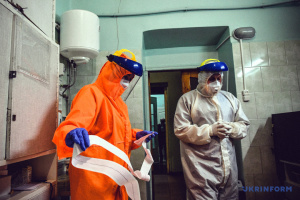 В Україні вдалося зупинити хвилю розповсюдження COVID-19 — Степанов