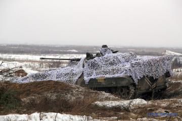 Ostukraine: Besatzer zerstören Traktor und verletzten Traktorfahrer