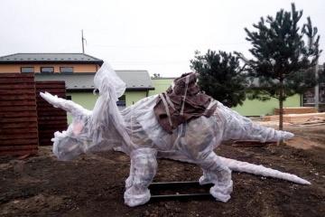 Le zoo de Vinnytsya accueille des robots dinosaures de 10 mètres de hauteur