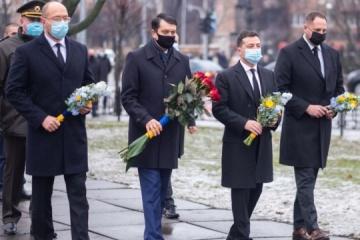 Volodymyr Zelensky a rendu hommage aux liquidateurs de la catastrophe de Tchornobyl
