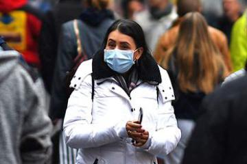 El Gabinete de Ministros obliga a ponerse la mascarilla en las calles en las zonas 'rojas'