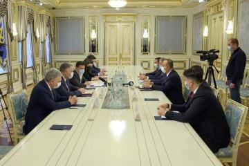ゼレンシキー大統領、トルコの外務・国防2閣僚と会談