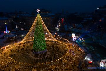 新年・クリスマスのソフィア広場の上空からの映像