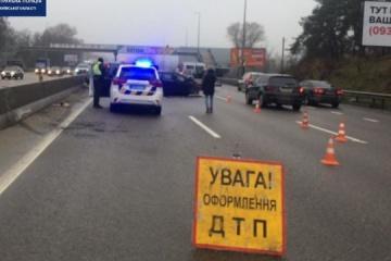 Unfall mit acht Autos blockiert Teil der Autobahn Kyjiw - Odessa