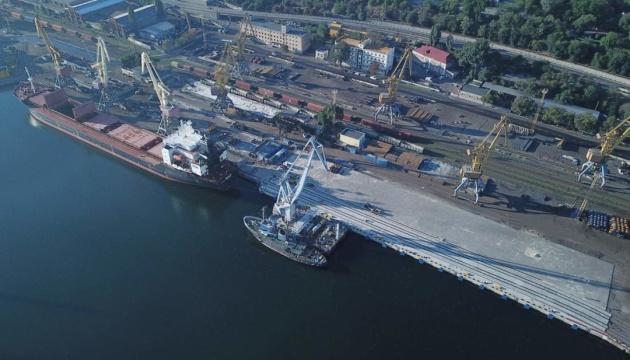 Друга черга реконструкції причалу №7 в Одеському порту набирає темп