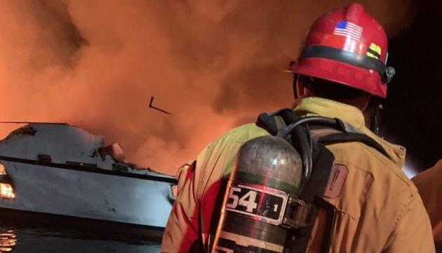 Капітана згорілого біля Каліфорнії судна обвинуватили у смерті 34 осіб