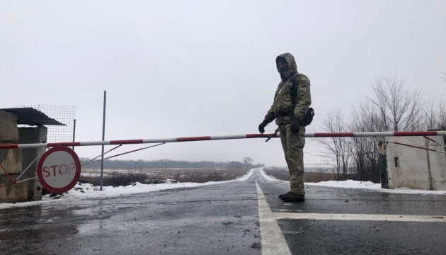 На КПВВ «Новотроїцьке» почали безкоштовно тестувати на антиген