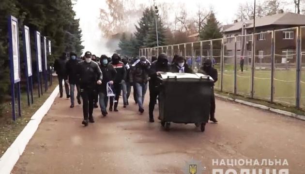Жорстоке побиття директора стадіону в Чернігові: поліція встановила 80 причетних