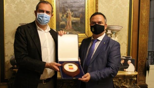 В Неаполі обговорили потреби української громади
