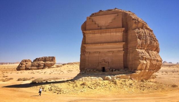 Саудовская Аравия открыла для туристов Хегра