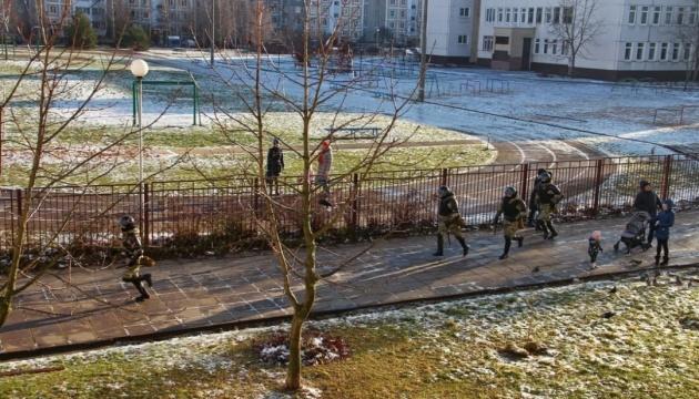 У Мінську розганяють «Марш волі», людей затримують на вулицях і у дворах
