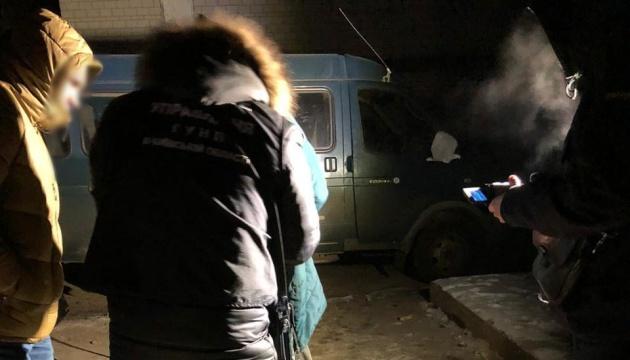 Festnahme von Bande: Täter wirft Handgranate und schießt auf Polizisten