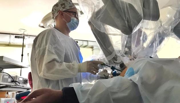 Во Львове робот Da Vinci прооперировал первого пациента