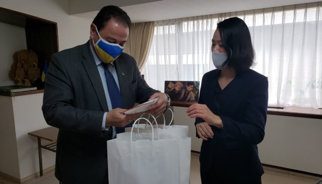 В японских магазинах могут появиться борщ, вареники и крымскотатарские чебуреки
