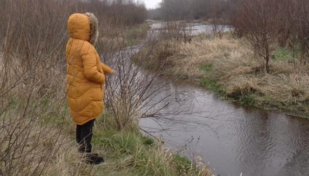 Фахівці назвали причину масової загибелі риби у Дністрі