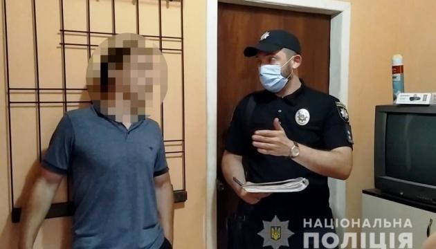 У Одесі чоловік катував 5-річного хлопчика, йому оголосили про підозру – поліція