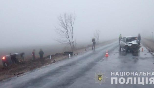 На Одещині зіткнулися Lanos і Renault, семеро осіб госпіталізували