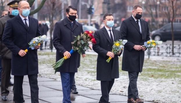Los líderes de Ucrania honran a los liquidadores de las consecuencias del accidente de Chornóbyl