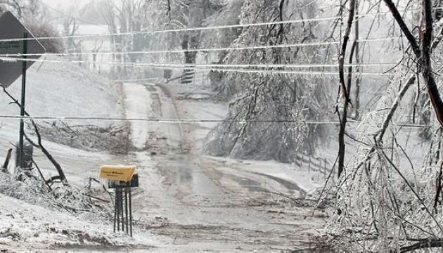 На Чернігівщині крижаний дощ знеструмив понад 200 населених пунктів