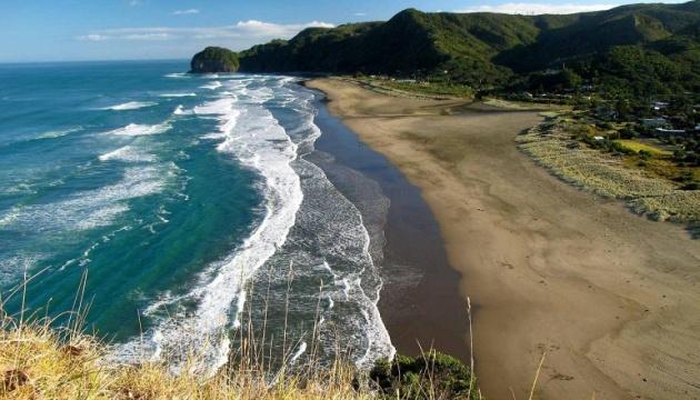 У Новій Зеландії на пляжі розбився гелікоптер, є жертви