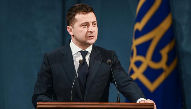 Zełenski nadal prowadzi w rankingu zaufania wśród polityków