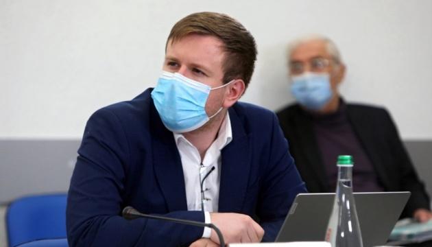 Обмеження прав людини в Україні та світі через пандемію COVID-19 триватимуть – експерт