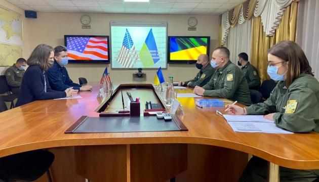 Дипломати США ознайомилися з особливостями охорони морського кордону в Одесі