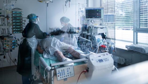 В Германии - новый рекорд смертности от COVID-19