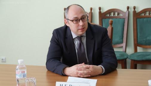 Заступник Кулеби запросив індійський бізнес інвестувати в економіку України