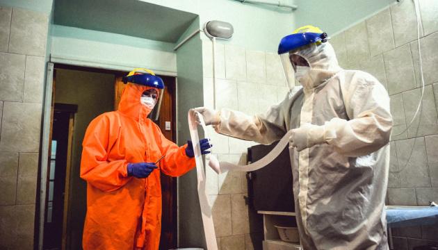 Zahl von Corona-Neuinfektionen steigt: Coronavirus: 12.047 Fälle binnen 24 Stunden