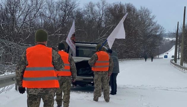 露占領軍、ウクライナ側へ軍人遺体を引き渡し