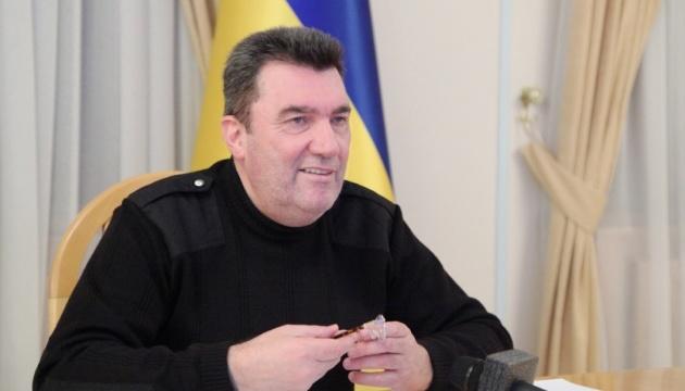 «Хай забирають»: Данілов відповів Симоньян на пропозицію «прихистити» журналістів санкційних ЗМІ