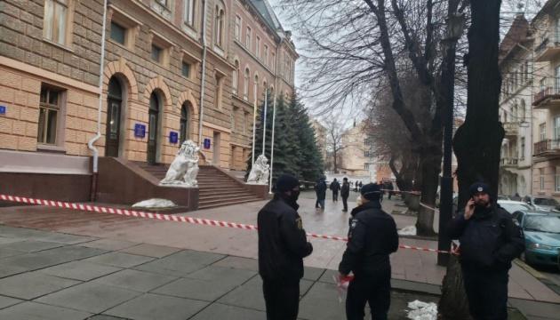 В Черновцах «заминировали» первое заседание облсовета