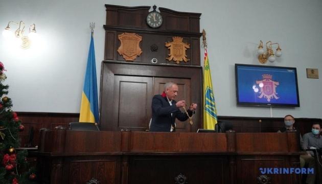 Новий мер Чернівців склав присягу на першій сесії міськради