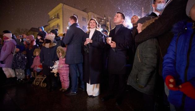 Подружжя Зеленських відвідало святкове містечко «Миколай приймає друзів»