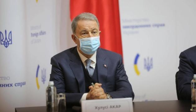 Украина важна для стабильности в Черноморском регионе - министр обороны Турции