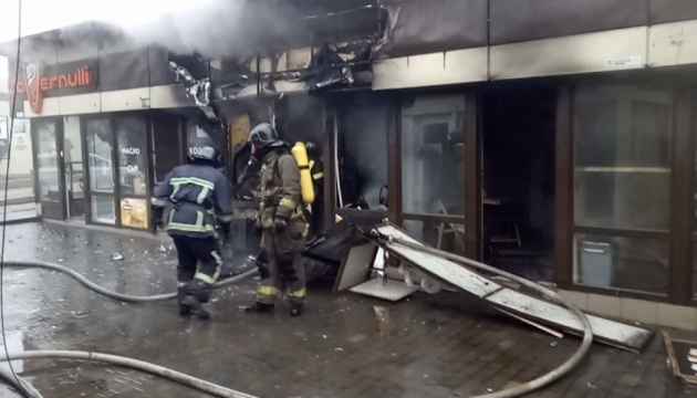 В Одесі на проспекті Небесної Сотні згоріли торгові павільйони