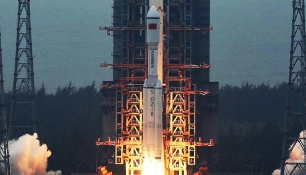 Китай запустив ракету Long March 8 із п'ятьма супутниками