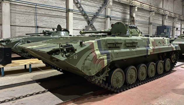 Житомирський бронетанковий за рік збільшив потужності майже на 20%